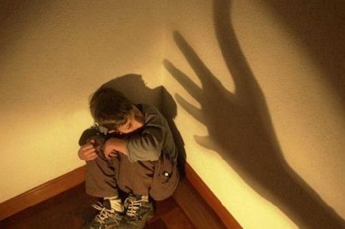 Maltrato a menores